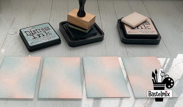 ATC basteln - Hintergrundfarbe wischen mit Distress Inks und Blending Tool
