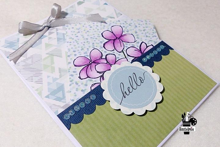 Eine Papiertasche hübsch verziert aus einem Blatt DIN A4 gebastelt.